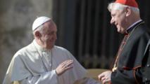 El papa Francisco-a la izquierda-y el cardenal Mueller