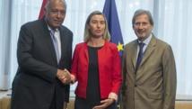 Shukri-a la izquierda-y Mogherini-en el centro-.