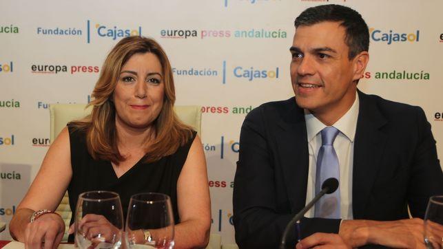 Susana Díaz-a la izquierda-y Pedro Sánchez