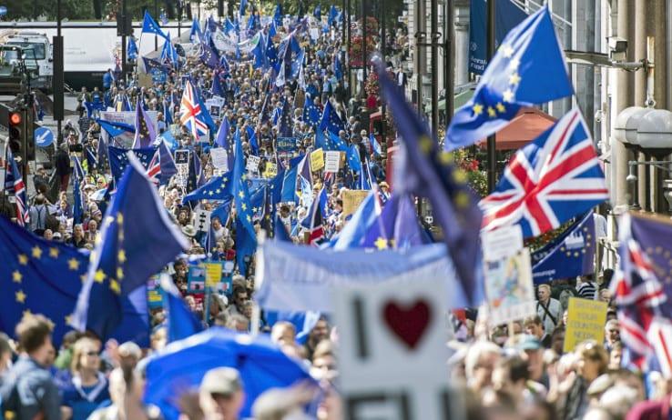 Manifestantes británicos a favor de permanecer en la Unión Europea