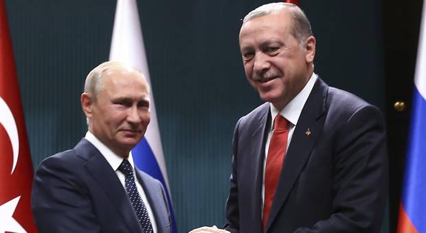 Putin-a la izquierda-y Erdogan