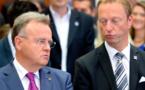 Los dirigentes del SPÖ Niessl-a la izquierda-y del FPÖ Tschürtz en Burgenland