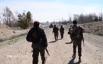 Milicianos kurdos sirios cerca de la presa de Tabaqa en una foto de las YPG