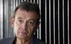 """El escritor Pierre Lemaitre prepara la continuación de """"Nos vemos allá arriba"""""""