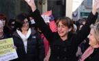 Debate en España: ordenan detener a madre golpeada que huyó con hijos