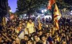 Manifestantes pidiendo la liberación de los detenidos