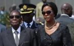 Expulsan del partido gubernamental a Robert Mugabe y a su mujer Grace