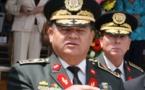 General golpista hondureño defiende en libro derrocamiento de Zelaya