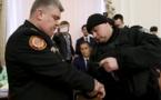 Una de las detenciones ante el gobierno y los periodistas