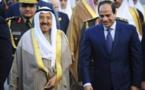 El rey saudí Salman, a la izquierda, y el presidente egipcio As Sisi
