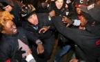 Manifestantes y policías en Chicago