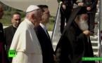 """El papa pide al mundo desde Lesbos que responda """"de modo digno"""" a la crisis migratoria"""