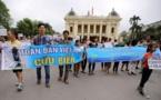 Protestas en Vietnam contra empresa taiwanesa acusada de muerte masiva de peces y almejas
