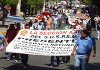 Maestros de Guerrero toman oficinas públicas en rechazo al pacto educativo