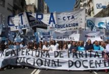 Manifestantes del sindicato de profesores