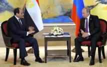 El presidente egipcio As Sisi-a la izquierda-y el ruso Putin.