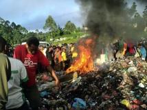Una hoguera en Papúa-Nueva Guinea donde han quemado a varias brujas