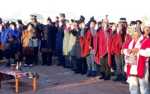 Las autoridades celebrando el año nuevo en Tihuanacu