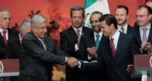 AMLO-a la izquierda-y Peña Nieto.