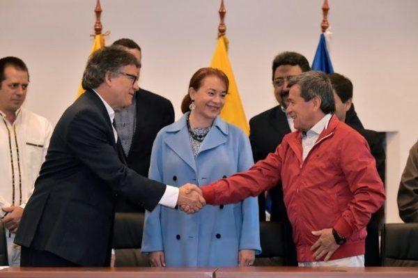 Delegados del gobierno y el ELN