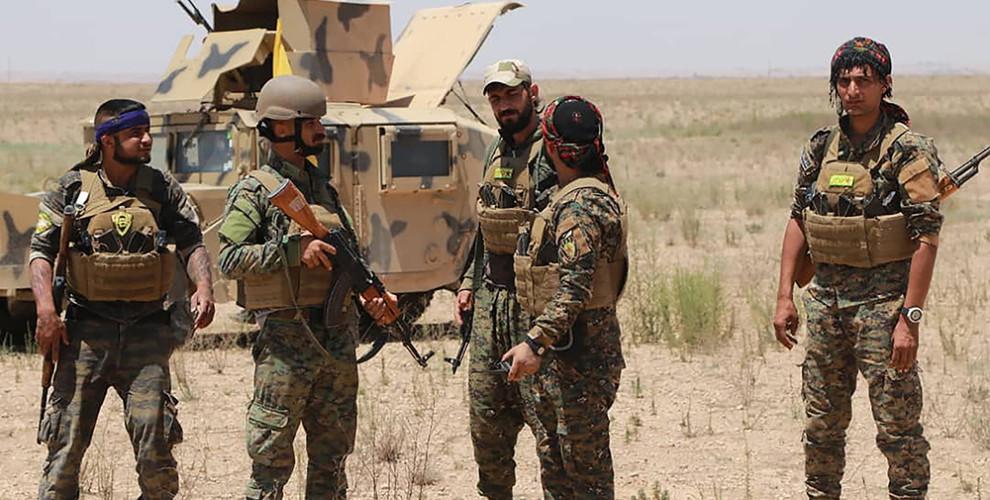 Milicianos kurdos de las FDS