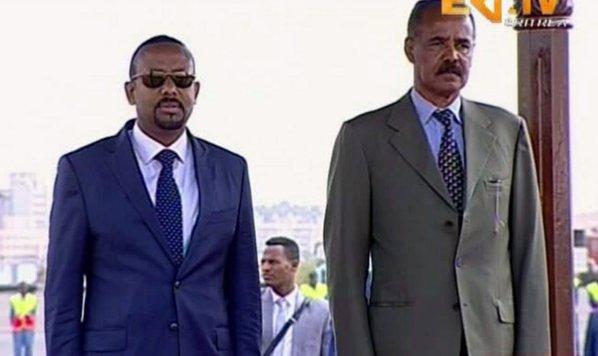 Abiy Ahmed-a la izquierda-y Isaias Afwerki