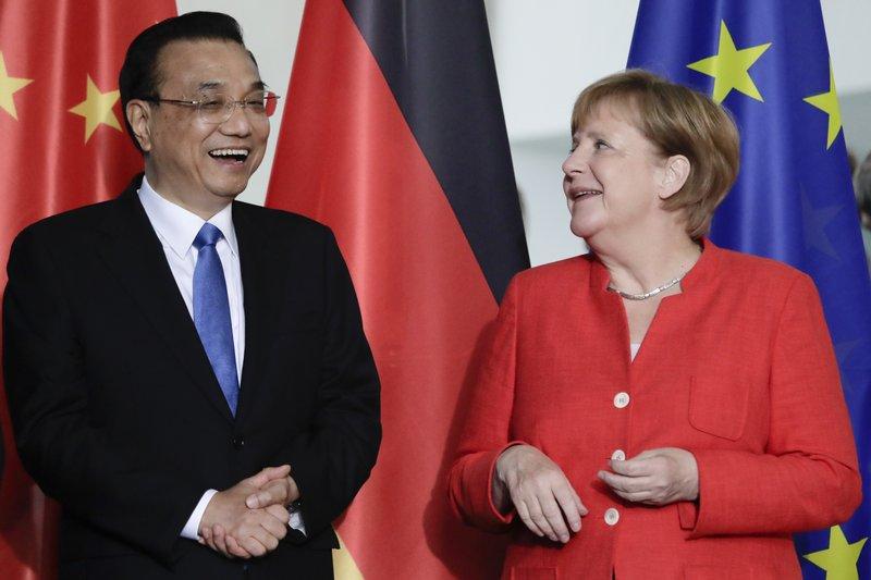 Li Keqiang y Angela Merkel