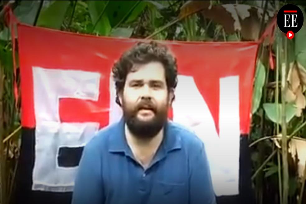 Una grabación de vídeo que el ELN ha difundido como prueba de la supervivencia de un secuestrado