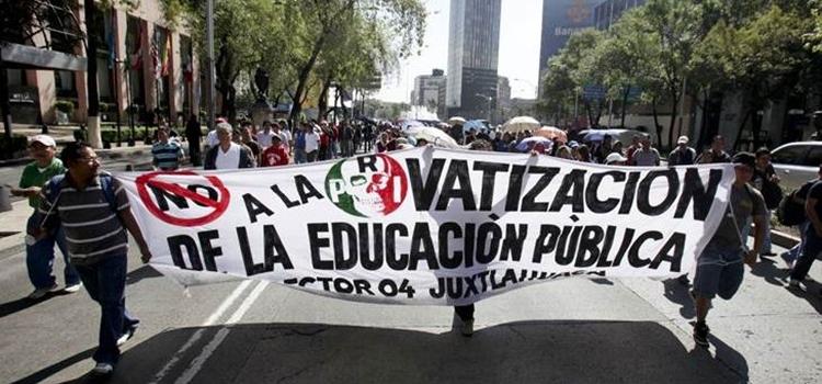 Manifestación contra la privatización de la enseñanza en México