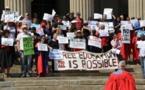 """Los """"hijos"""" de Mandela luchan por """"descolonizar"""" la universidad sudafricana"""