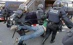 Los estudiantes critican la brutalidad policial