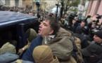 Ex presidente georgiano Saakashvili escapa de la Policía en Ucrania