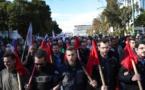 Manifestantes protestan en toda Grecia contra medidas de austeridad