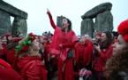Druidas dirigen celebración de solsticio de invierno en Stonehenge