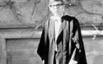 Genio y estrella: Muere el astrofísico Stephen Hawking
