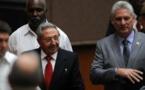 Raúl Castro-a la izquierda-y Miguel Díaz-Canel