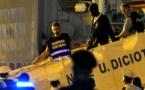 Italia permite que barco con migrantes atraque en Sicilia