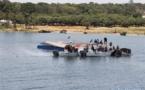 Los rescatistas trabajando en el lago Victoria