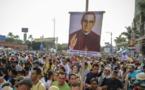 El papa proclamó santos a Romero y Pablo VI y elogió su atención a los pobres