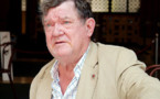 Fallece a los 74 años el escritor australiano Robert Hughes