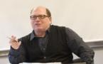 """Muere escritor cubano-estadounidense de """"Mambo Kings"""" a los 62 años (prensa)"""