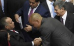 Oposición asumió control del Parlamento venezolano en abierto desafío a Maduro