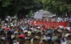 Maestros protestan por rebaja salarial en Guatemala